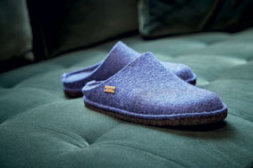 Verkaufs-Innenraum Schuhschmiede mit Blick in in den Think Schuhshop